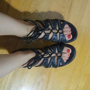 Clark's UNstructured Black Leather Sandals